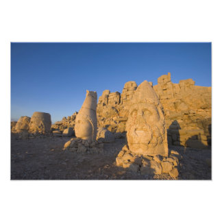 Estatuas principales colosales de dioses que guard fotografía