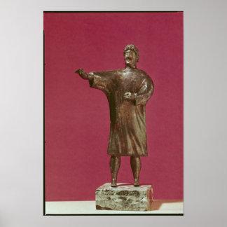Estatuilla de un hombre que lleva un sagum póster