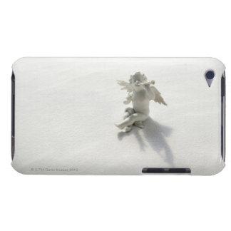 Estatuilla del ángel con los instrumentos musicale iPod touch Case-Mate carcasas