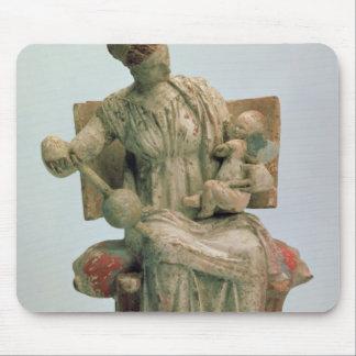 Estatuilla del Aphrodite que juega con eros Tapete De Ratón