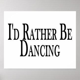 Esté bailando bastante póster