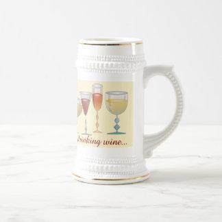 Esté bebiendo bastante el vino jarra de cerveza