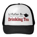 Esté bebiendo bastante té gorro de camionero