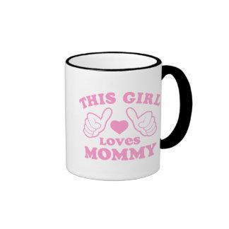 Este chica ama a la mamá taza de dos colores