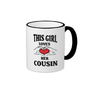 Este chica ama a su primo taza de dos colores