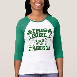 Este chica ama día del St Patricks Playera
