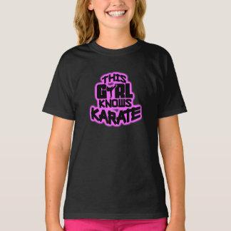 Este chica sabe karate playera