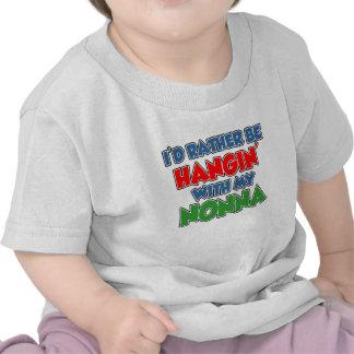 Esté colgando bastante con Nonna Camiseta