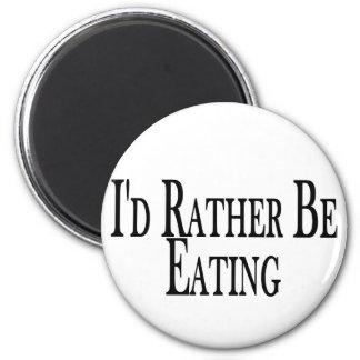 Esté comiendo bastante iman para frigorífico