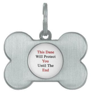Este danés le protegerá hasta el extremo placa de nombre de mascota