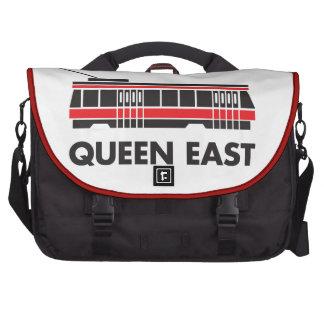 Este de la reina Toronto y tranvía Bolsas Para Portátil