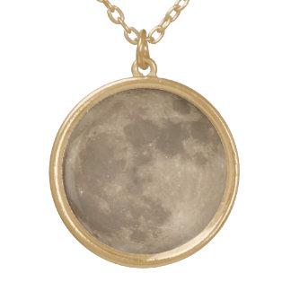 Esté en la luna el collar romántico le traen la jo