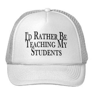 Esté enseñando bastante a mis estudiantes gorros