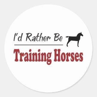 Esté entrenando bastante a caballos pegatina redonda