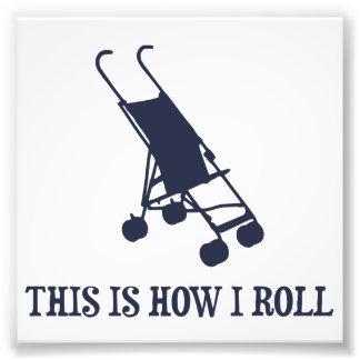 Éste es cómo ruedo el cochecito de bebé fotografías
