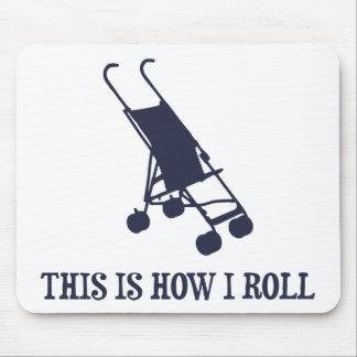 Éste es cómo ruedo el cochecito de bebé mouse pads