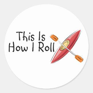 Éste es cómo ruedo (el kajak) etiqueta redonda