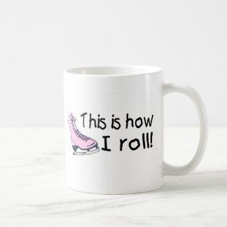 Éste es cómo ruedo el patín de hielo rosado taza clásica