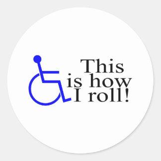 Éste es cómo ruedo la silla de ruedas pegatina redonda