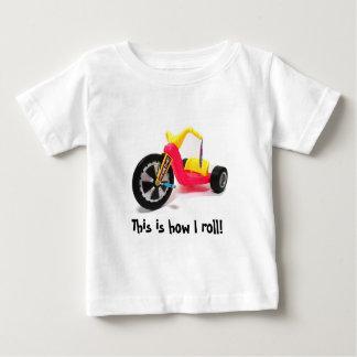 Éste es cómo ruedo playera de bebé