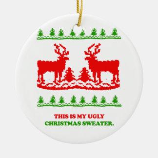 Éste es mi suéter feo del navidad adorno redondo de cerámica