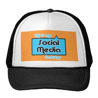 ÉSTE ES MI TRAJE SOCIAL DE LOS MEDIOS GORROS