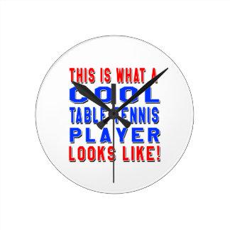Éste es un qué jugador de tenis de mesa fresco reloj