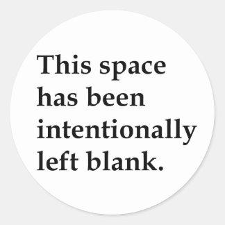 Este espacio en blanco del espacio pegatina redonda
