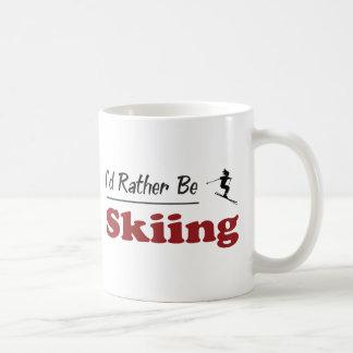 Esté esquiando bastante tazas