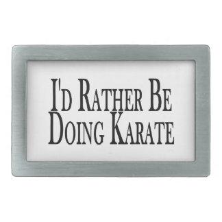 Esté haciendo bastante karate hebillas cinturon
