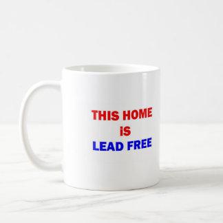 Este hogar es sin plomo taza básica blanca