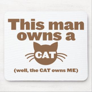 Este hombre posee un CAT (bien, el CAT me posee) Mousepad