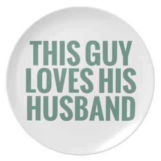 Este individuo ama a su marido plato para fiesta