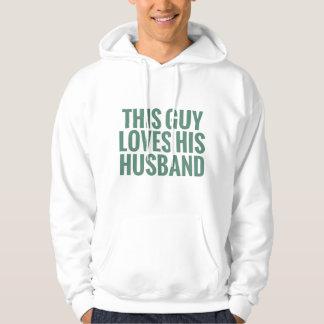Este individuo ama a su marido sudaderas