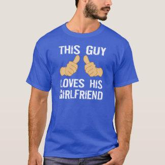 Este individuo ama a su novia playera