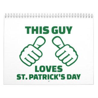 Este individuo ama el día de St Patrick Calendarios