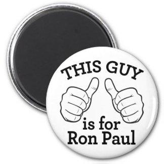 Este individuo está para Ron Paul Imán Redondo 5 Cm