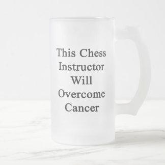 Este instructor del ajedrez superará al cáncer taza de cristal