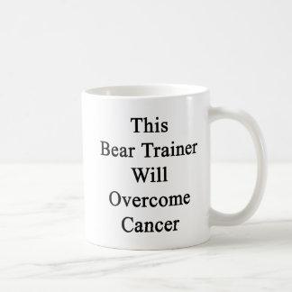Este instructor del oso superará al cáncer tazas de café
