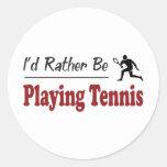 Esté jugando bastante a tenis etiqueta redonda