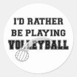 Esté jugando bastante a voleibol pegatinas redondas