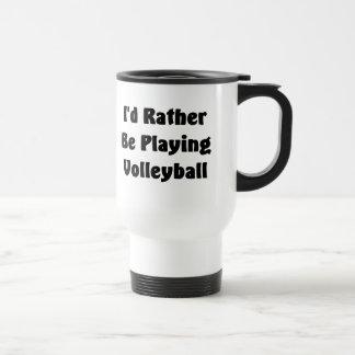 Esté jugando bastante a voleibol tazas de café