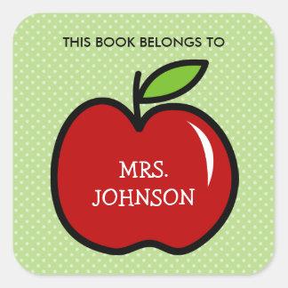 Este libro pertenece a los pegatinas rojos del pegatina cuadrada
