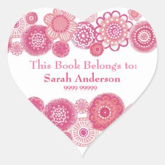 Este libro pertenece al pegatina rosado de la