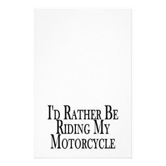 Esté montando bastante mi motocicleta papeleria de diseño