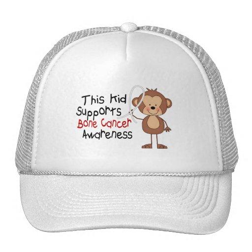 Este niño apoya conciencia del cáncer de hueso gorro