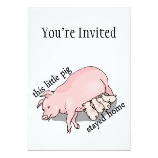 Este pequeño cerdo permanecía el hogar