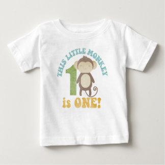 Este pequeño mono t shirts