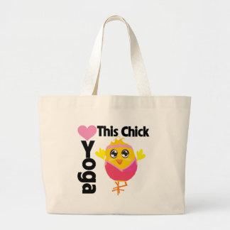 Este polluelo ama yoga bolsas de mano