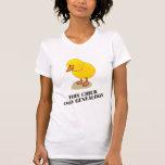 Este polluelo cava la genealogía camiseta
